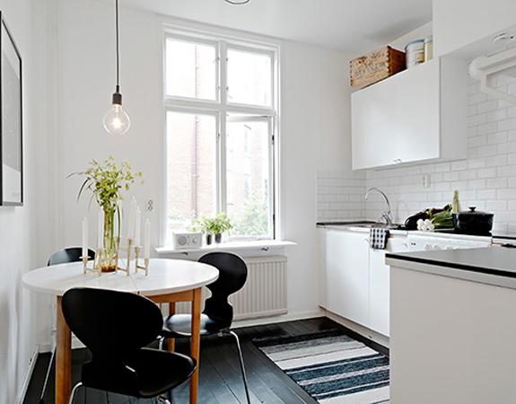 Дизайн маленькой черно белой кухни в хрущевке
