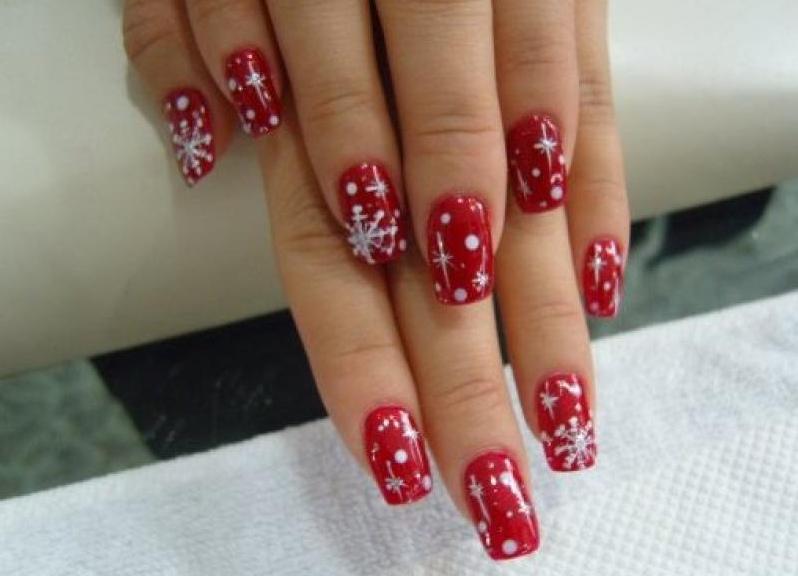 Рисунки на красных ногтях в домашних условиях