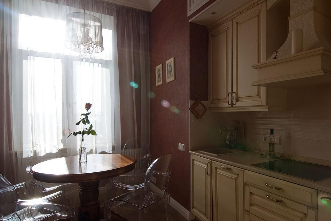 Какой выбрать цвет обоев для маленькой кухни