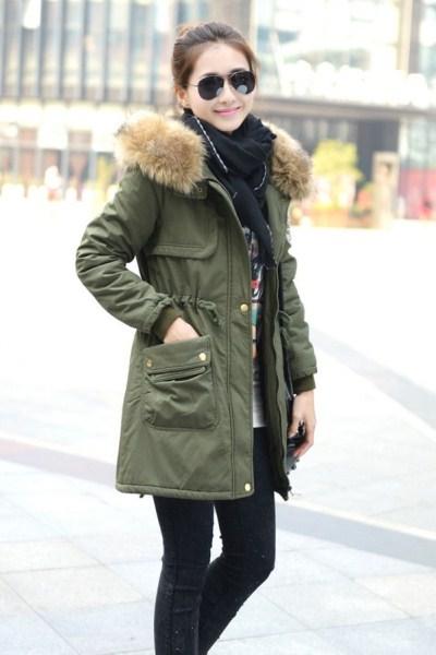 коженная куртка со знаком