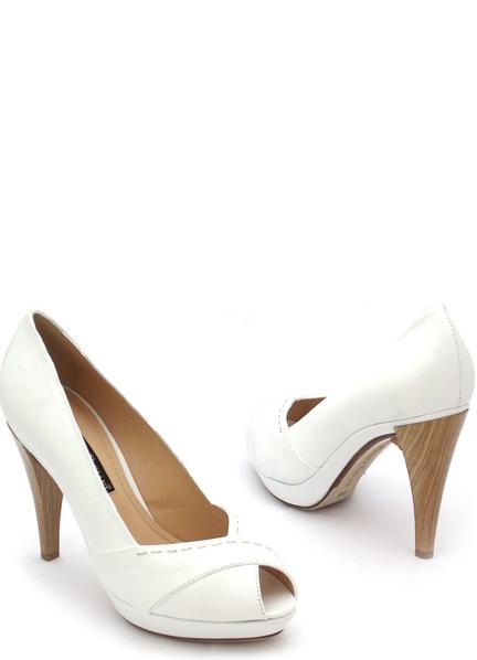 Белые туфли на свадьбу на танкетке