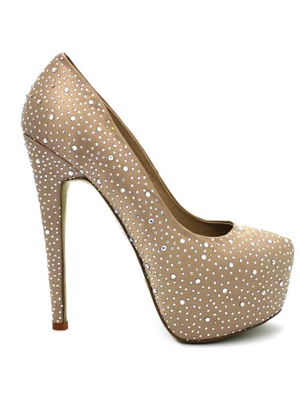 Туфли телесного цвета на каблуке