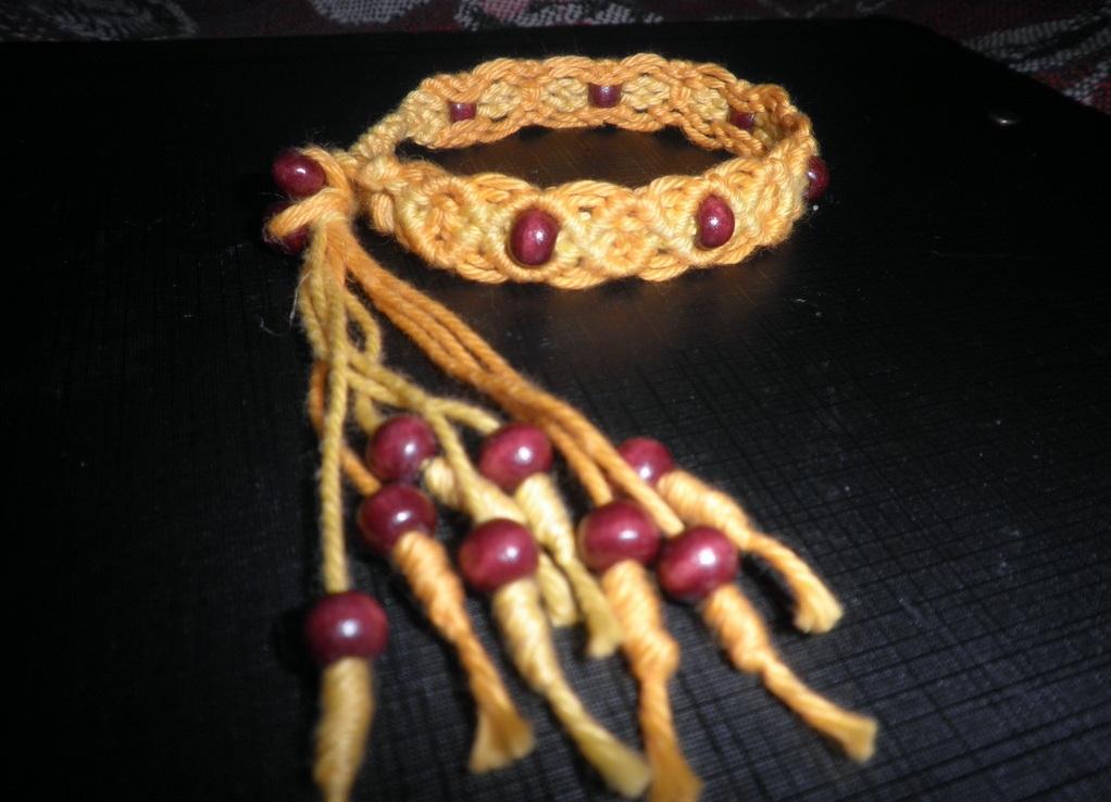 Плетение из шнура браслет с бусинами - на сайте adv-landing.ru