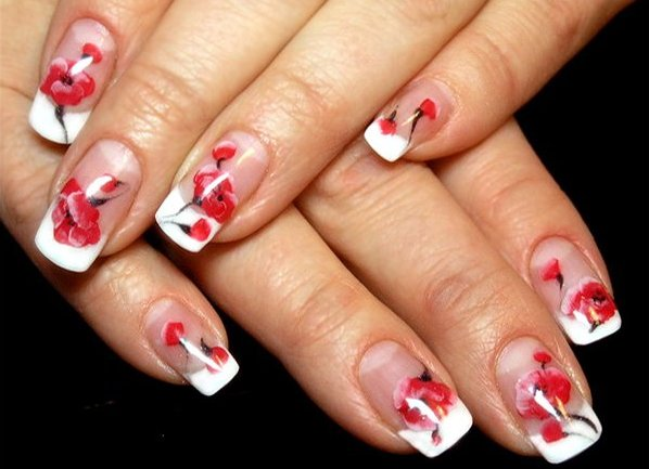 Свадебный маникюр в красном цвете