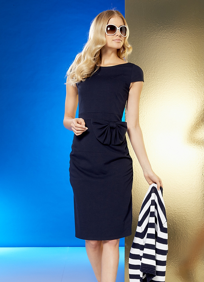 Классическое элегантное платье
