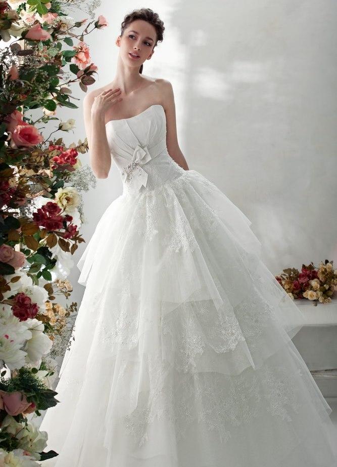 Фото девушек в красивых свадебных платьях