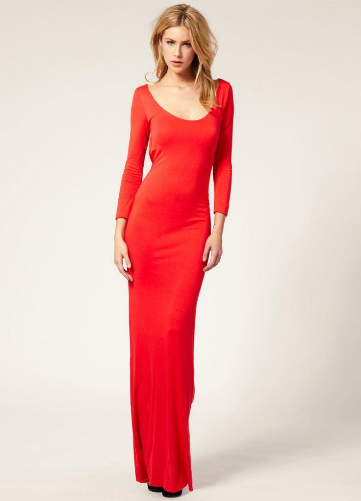 Красное платья с длинными рукавами