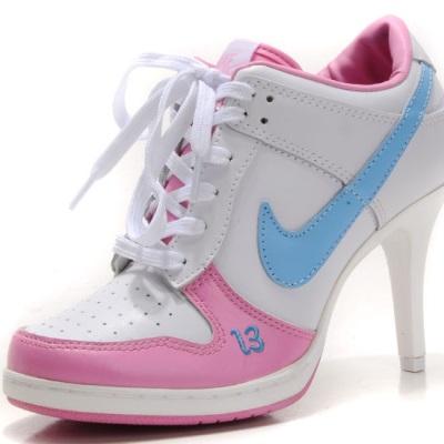 Ботинки Найк на каблуке