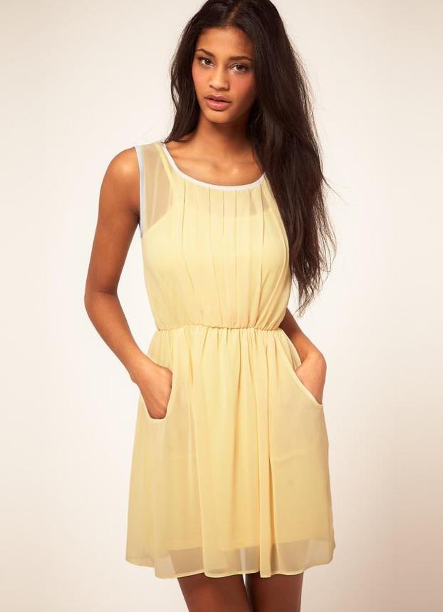 Красивое короткое платье из шифона