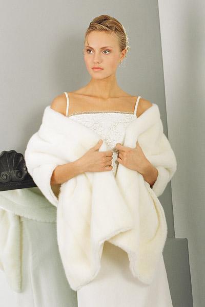 Зимние накидки на свадебные платья