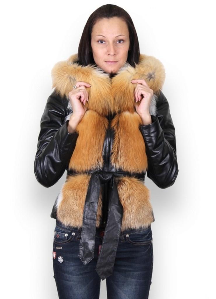 Меховая куртка с капюшоном