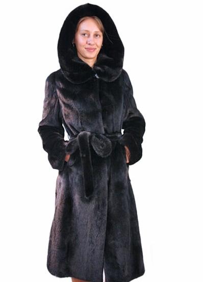 Норковая шуба,производство Греция 2012г,модель классика,цвет темно коричневый,пояс и капюшон норка,длина ниже колен