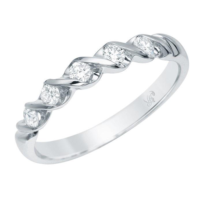 кольца з бриллиантом