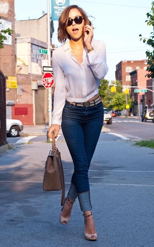Фото гарних дівчат в обтягающих джинсах 20 фотография