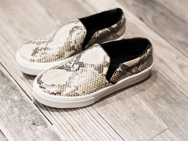 Модная обувь: слипоны (фото)