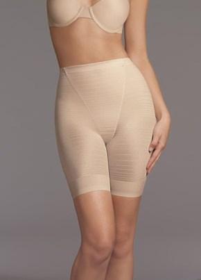 Из-под юбки виднелись панталоны с начесом, одна обслужила всех желающих порно