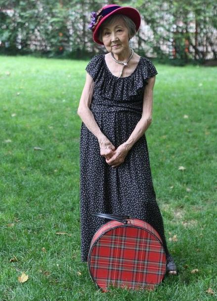 Модели платьев для пожилых женщин