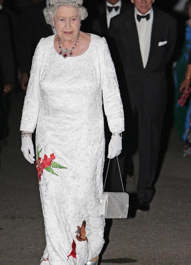 Фото пожилых женщин в платьях