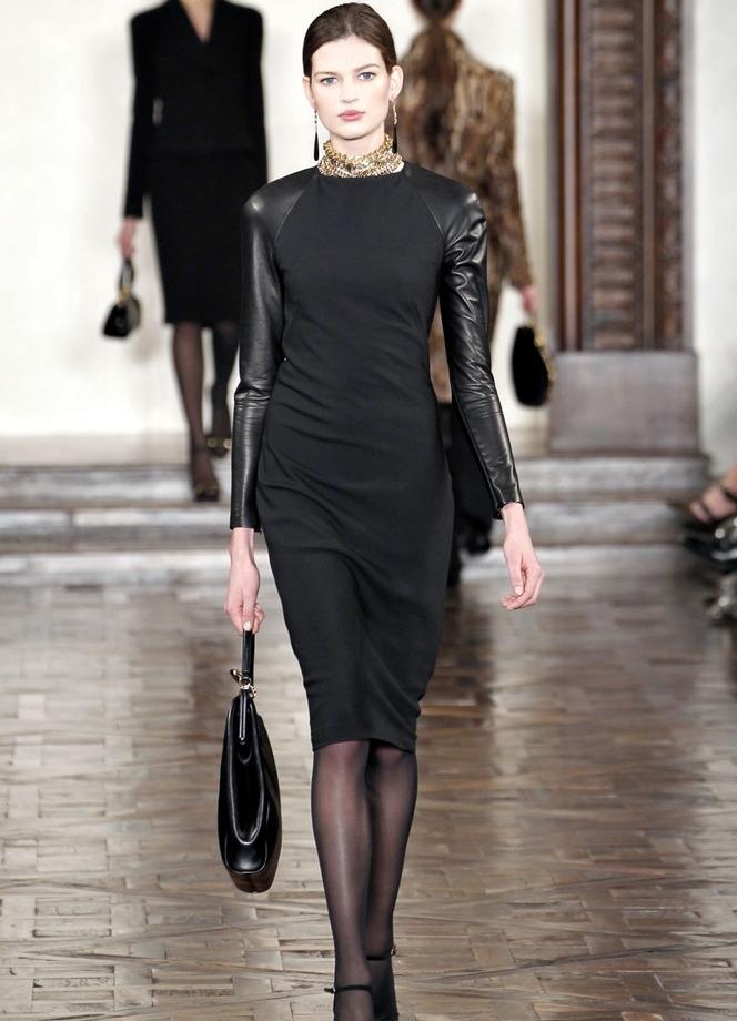 Платье с кожаными отделками