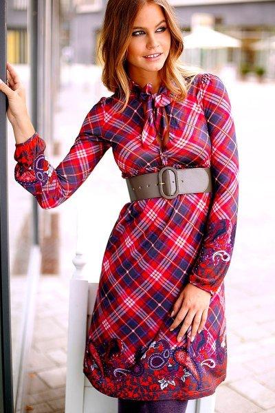 Модели платье с воротником стойка