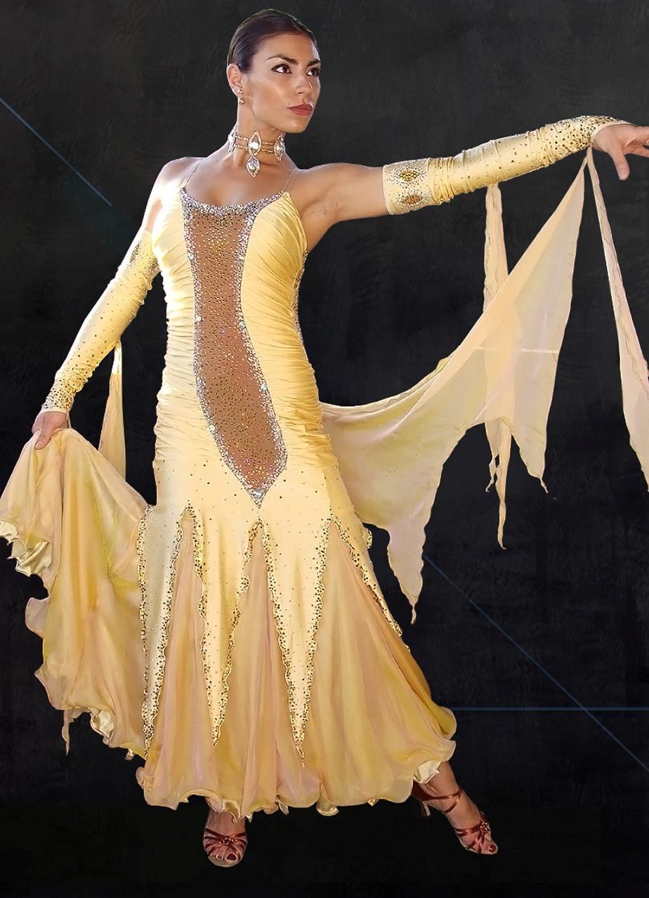Танец в эротическом наряде 24 фотография