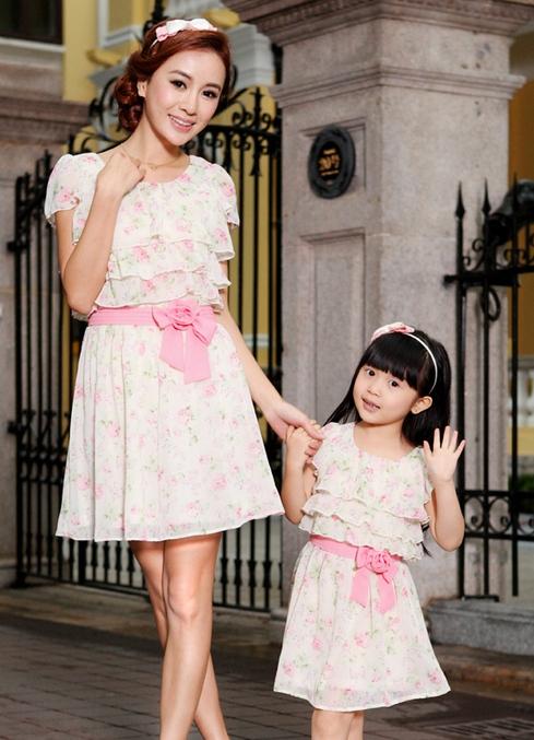 Летние одинаковые платья для мамы и дочки