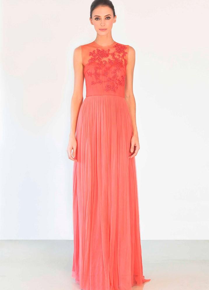 При словах модные вечерние длинные платья 2015 на ум сразу приходят платья и сарафаны; женские модные джинсы 2014