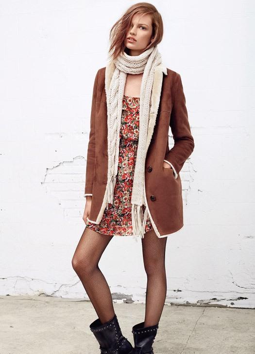 Серая вязаная юбка с цветами, спицы и крючок. Схемы