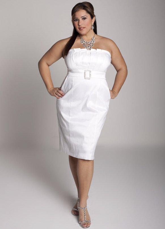 Стильное платье обязательно должно быть длинным. И чем длиннее оно будет, тем стройнее, изящнее и обворожительней будешь выглядеть ты