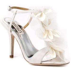 Свадебные босоножки на высоком каблуке 4