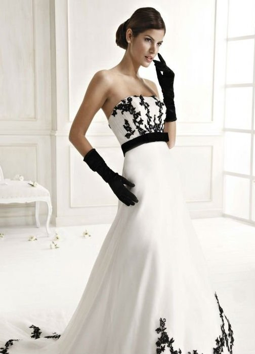 Свадебные платья с вышивкой и цветами