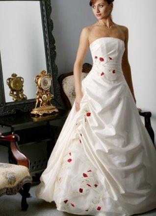 Украинские свадебные платья с вышивкой