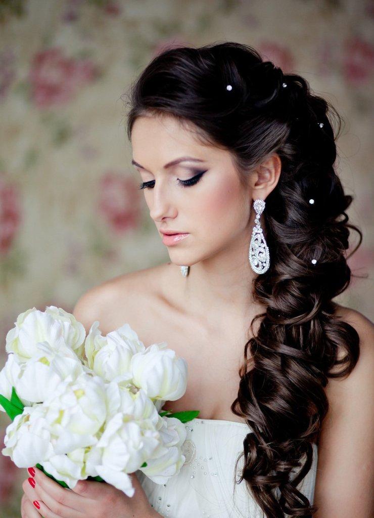 Самые красивые свадебные причёски на длинные волосы фото