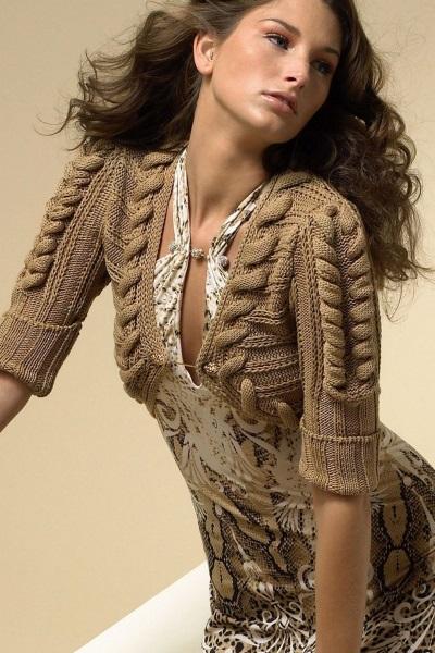 Back. Каталожные хорошего качества фотографии модной вязаной женской одежды. Pages: 163 Format: jpg в архиве rar