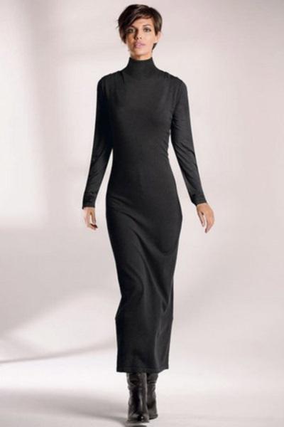 На фото: Элегантное бежевое длинное платье в пол на длинный рукав Элегантное Вязаное серое платье с плиссированой юбочкой