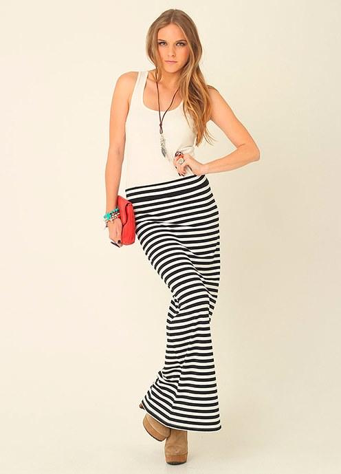 Длинная юбка черно белая в полоску