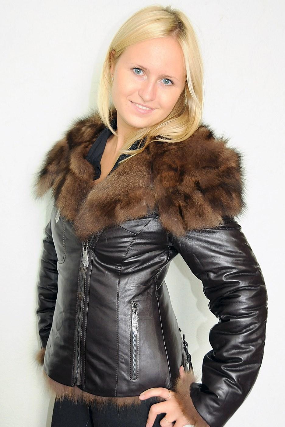 Куртки кожаные женские бордо