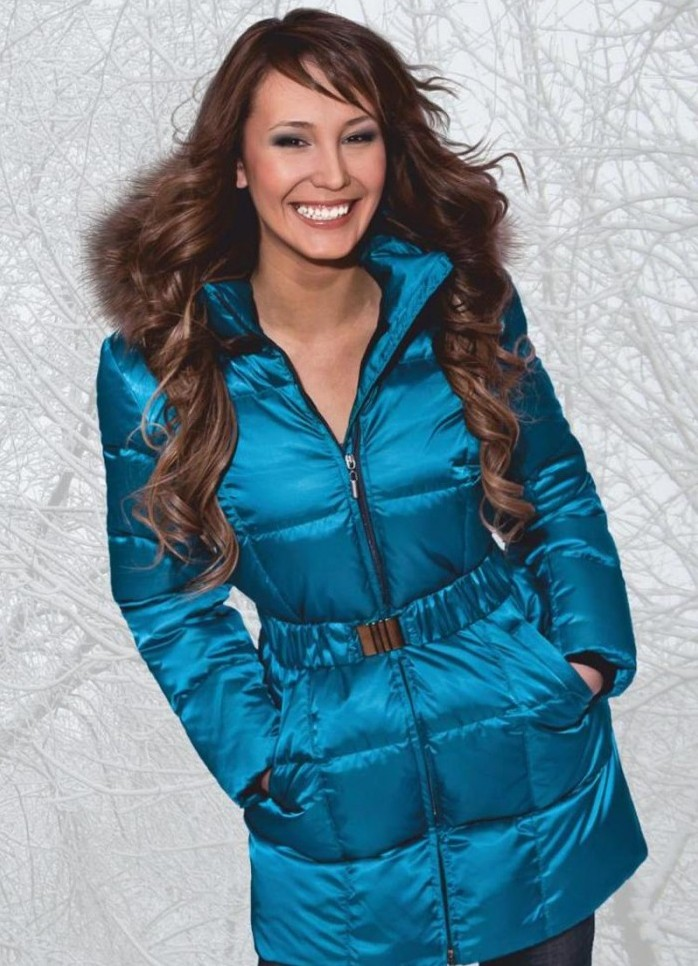 Модные женские зимние куртки 2012-2013 - галерея фоток модных зимних женских куртокексезона 2012-2013 по вашему вкусу