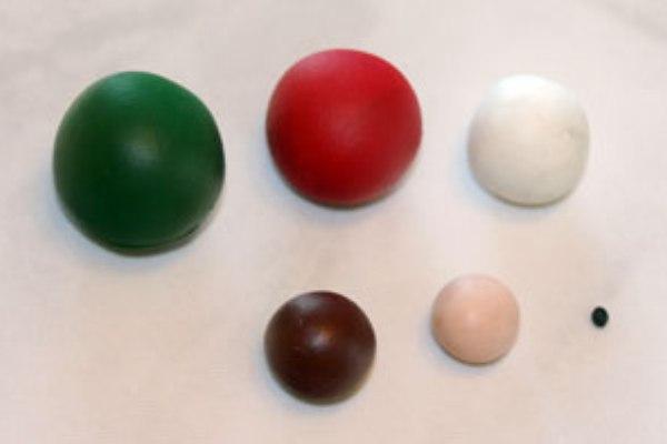 Как сделать шарики из глины