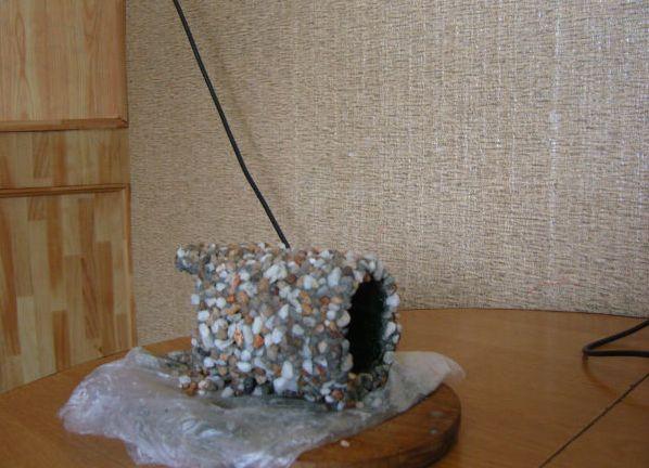 Декор из камней в аквариуме своими руками 29