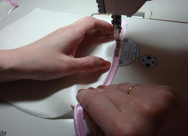 как сшить декоративную подушку 4