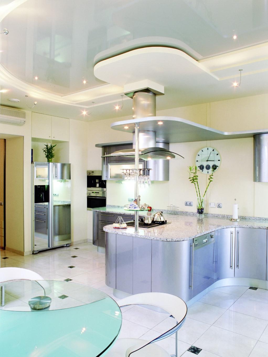 дизайн потолков на кухне: womanadvice.ru/dizayn-potolkov-na-kuhne