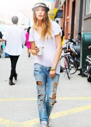 Дырявые джинсы с чем носить