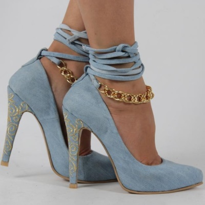 Джинсовые босоножки на каблуке с чем носить
