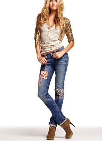 Какая прическа подойдет под джинсы
