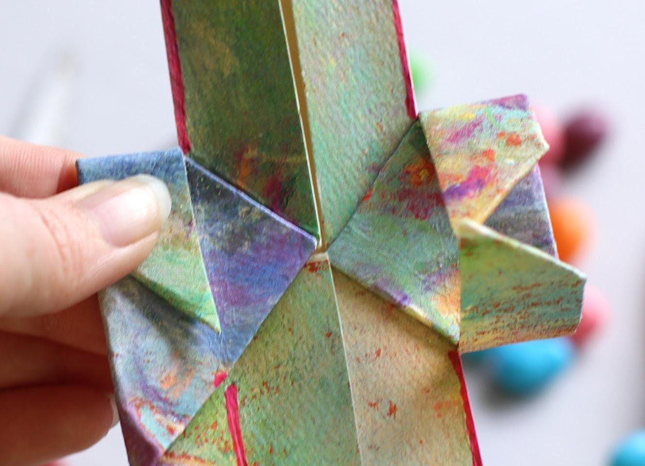 Как сделать из бумаги и клея поделку