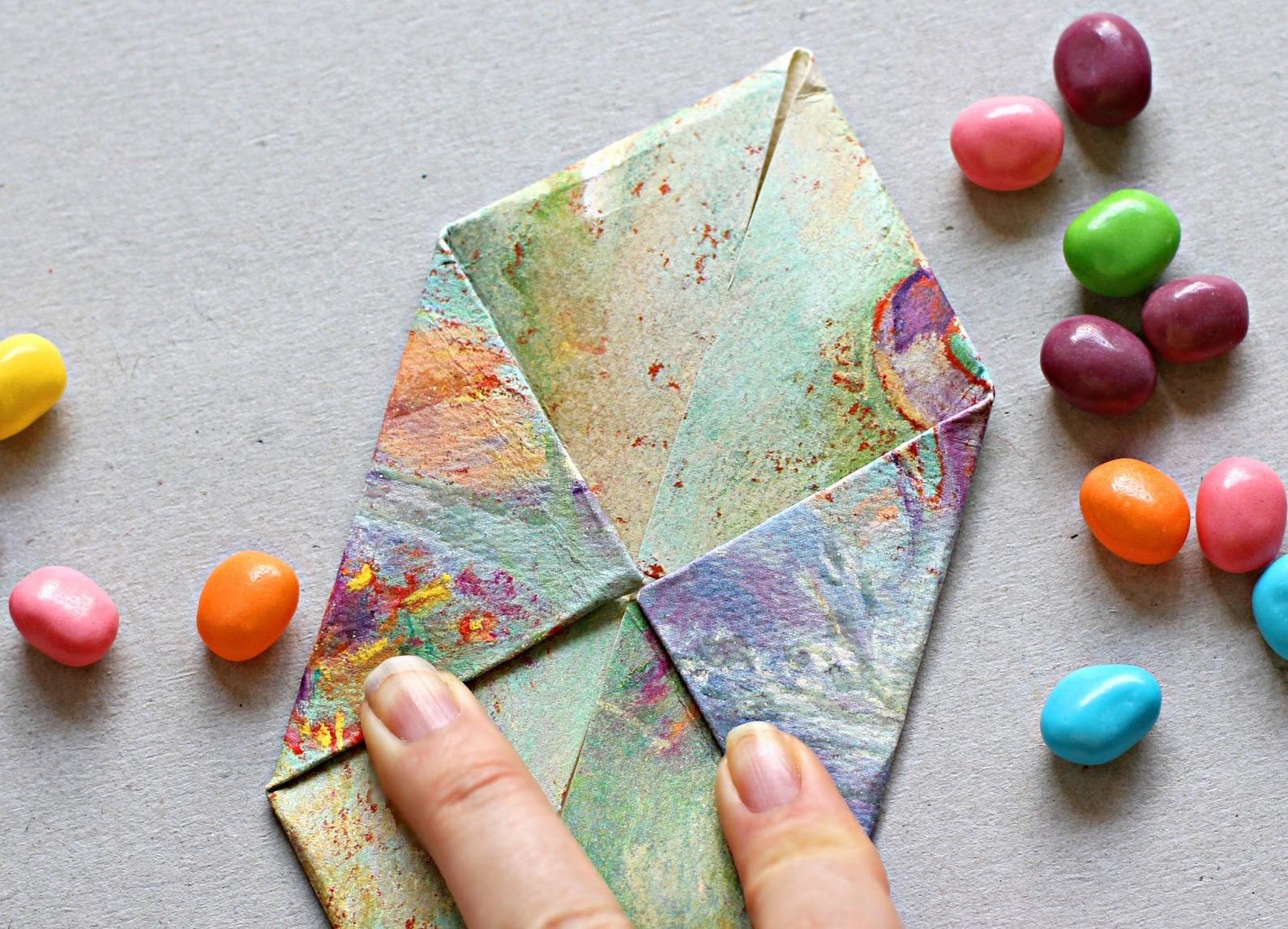 Цветы из бумаги своими руками. Подарок маме на 8 марта 20
