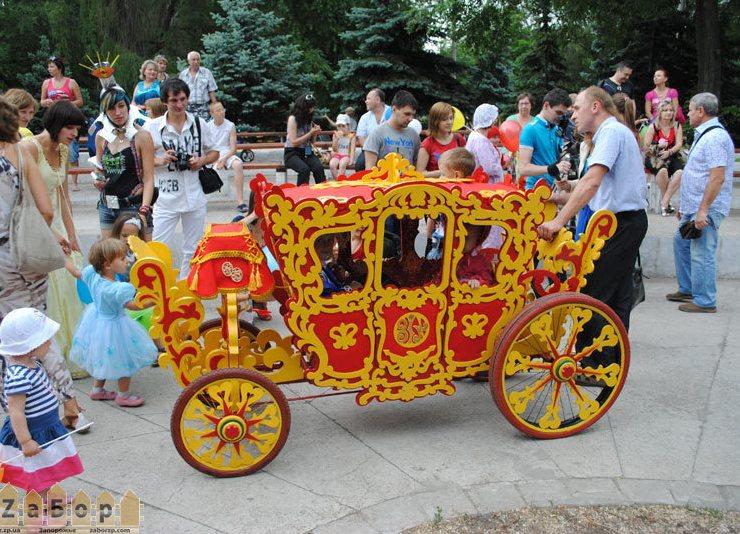 Конкурс колясок карета