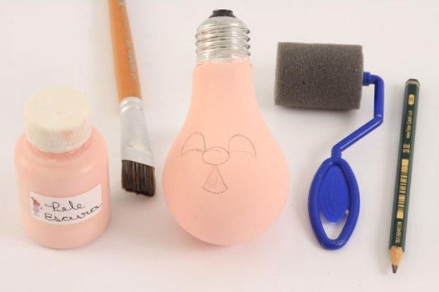 елочные игрушки из лампочек 3