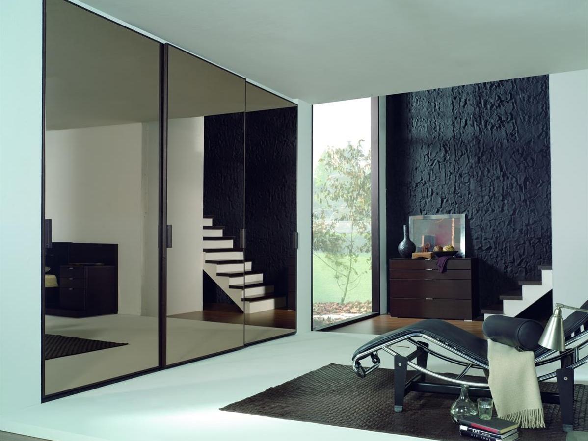- Puertas de espejo ...